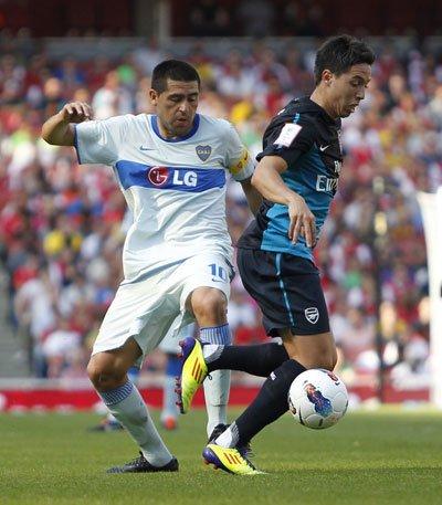 酋长杯-阿森纳2-2憾平博卡 范佩西拉姆塞建功