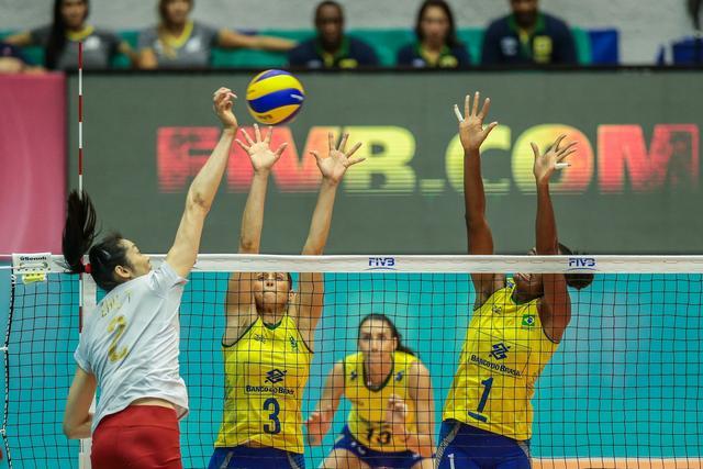女排3-0巴西扫18连败阴霾 3战全胜澳门站夺冠