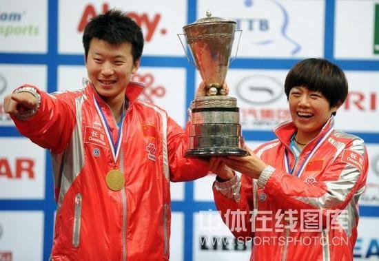 张超/曹臻混双夺冠 国乒第102位世界冠军诞生