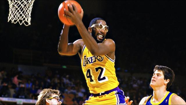 NBA五大神奇运动配饰:护肘最流行头带受热捧