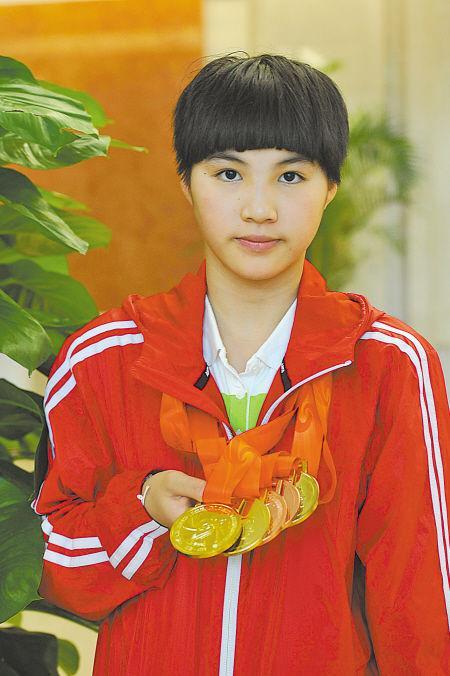 残奥会小将泳池逐梦 14岁少女书写励志故事