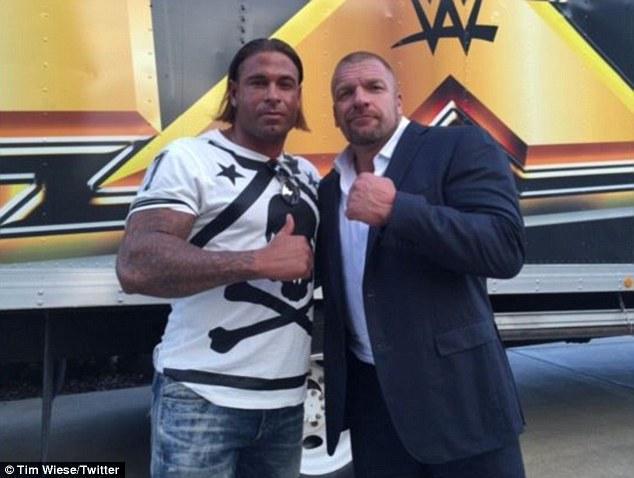 前德国国门狂热投身摔角 赴美训练或再成巨星