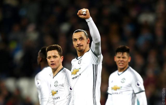 英超-曼联2-0六连胜仍居第6 伊布马塔各建功