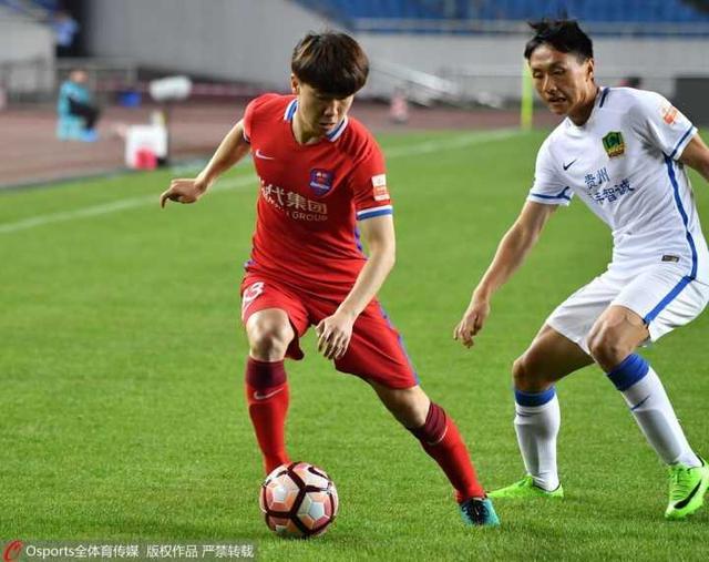 GIF-吴庆助攻南松头球破门 力帆主场暂1-0贵州