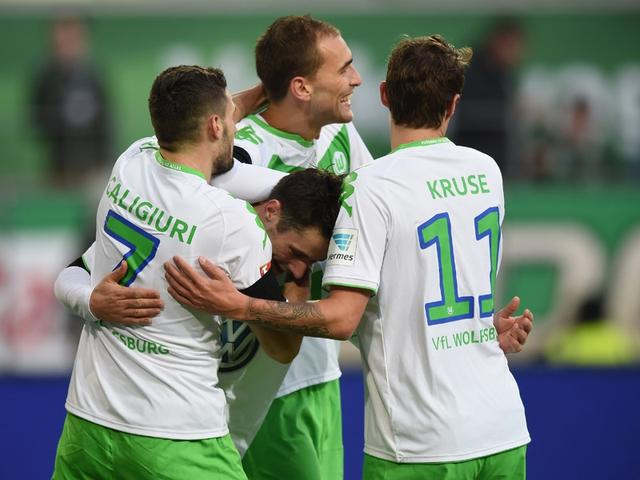 The Bundesliga - the Wolf fort 6-0 victory Bremen Cruise 2 ball dost Jiangong