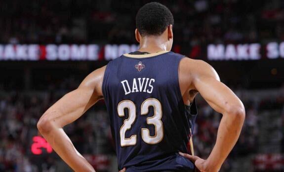 NBA一队竟更换36套首发 联盟居首主力频报销