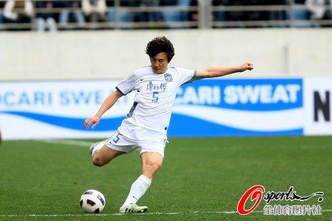 李玮锋成中国亚冠第一人 领4队6度出征入史册