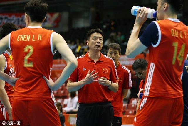世联赛-中国男排0-3负埃及 遭三连败排名垫底