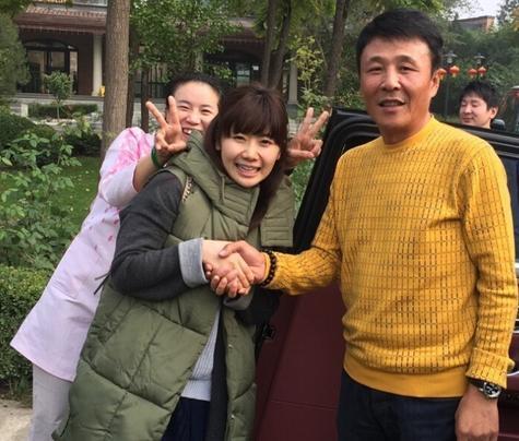 王楠的老公_王楠老公被日本记者追问网络暴力 大气称是家事