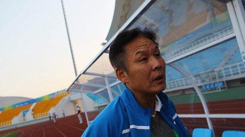 李辉:校园足球最缺的是比赛 学生要增强体质