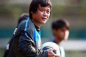 新加坡两华裔球员突发高烧