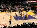 视频:马刺vs湖人 奥多姆单打隔人上篮