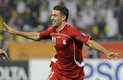 亚洲杯:伊朗3-0阿联酋小组第一 4分钟两红牌