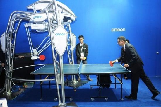 日本推出机器人乒乓教练 手速比刘国梁差远了
