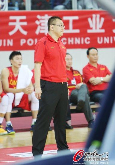 范斌:球队拼搏精神让我敬佩 感谢每一位队员