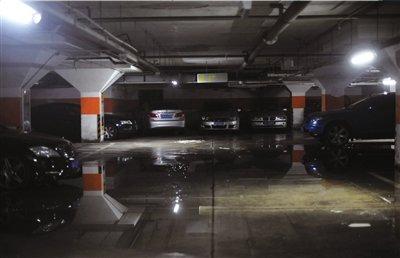 前天,欧陆小区记者地下经典2层内仍有不少会议.本报车库王苡萱摄v小区积水头门图片