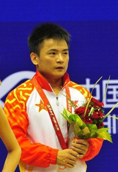 举重看点:中国男队群雄争霸 两女将优势明显