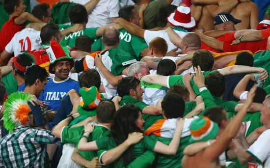 欧洲杯盘点爱尔兰篇:老帅传奇失色 球迷出彩