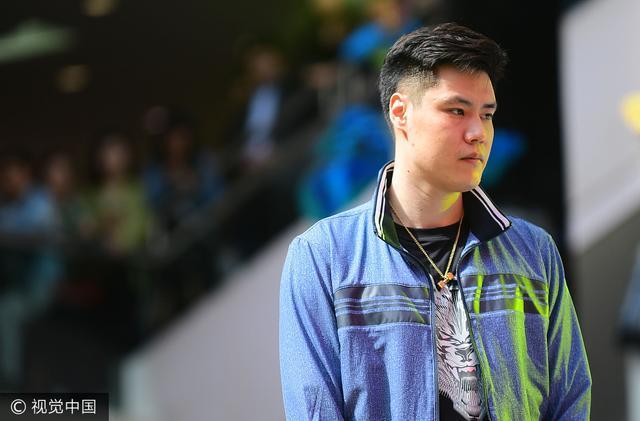 辽媒:贺天举赴美康复训练 缺席新季初期比赛