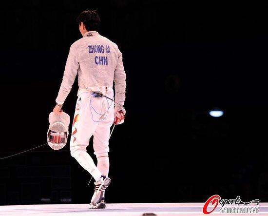 男子佩剑决赛韩国队夺冠 奥运冠军仲满获银牌