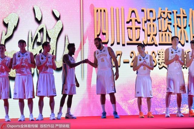 四川双外援剑指季后赛 哈达迪:我们有竞争力