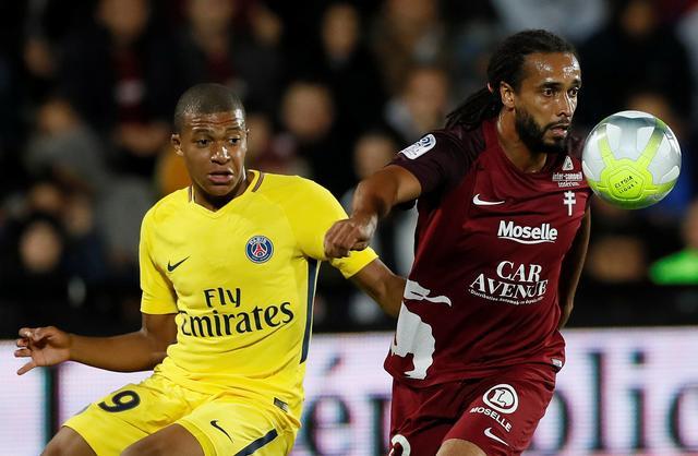 法甲-巴黎5-1取五连胜 内马尔传射姆巴佩破门