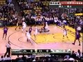 视频:湖人vs勇士 拜纳姆贴身靠打翻身上篮