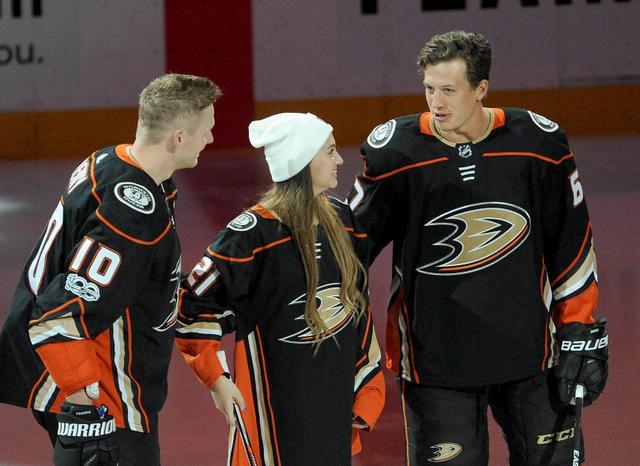 NHL10月6日消息汇总:小鸭为癌症女孩献爱心
