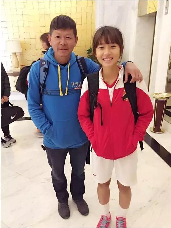 <摔跤吧!爸爸>中国女足版 最美小花父爱如山
