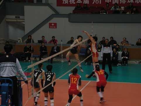 女排联赛上海逆转浙江 高快结合战术奏效拦网发威