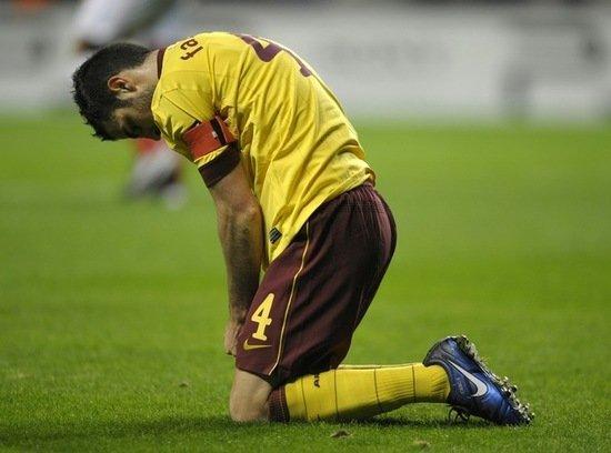 欧冠-阿森纳7分钟丢2球0-2落败 小法受伤下场