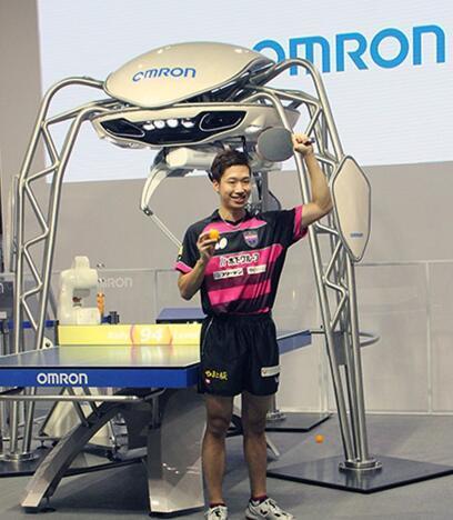 世界首个乒球机器人亮相日本 与水谷隼过招