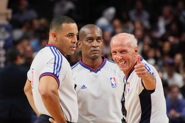 CBA裁判真懂篮球?NBA裁判告诉你什么才叫职业