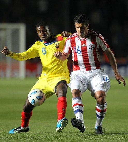 美洲杯-巴拉圭0-0厄瓜多尔 圣克鲁斯头球中柱