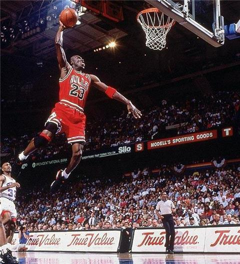 NBA分卫传奇:科比韦德老去 接班人只有他!