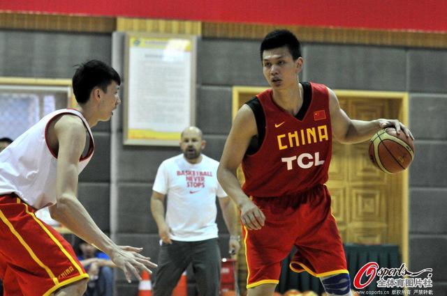 许钟豪:梦想能去NBA打球 曾被误认为是姚明