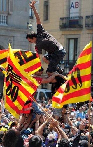 大罢工重创欧洲金靴颁奖礼 会场被迫迁址避乱