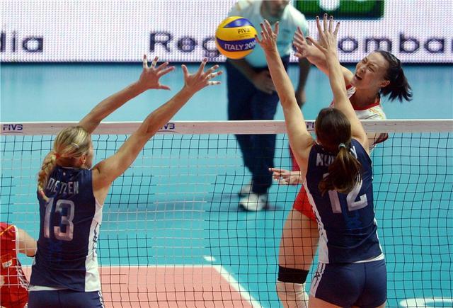 中国女排16年后又夺亚军 美国首获三大赛桂冠