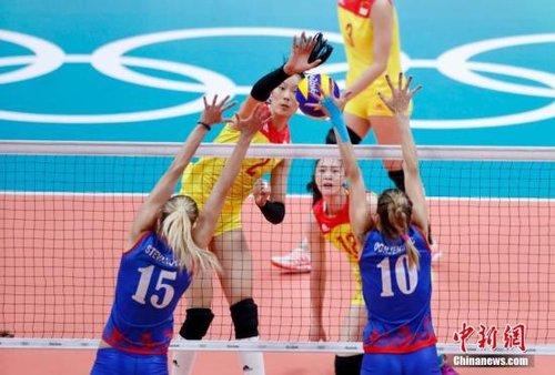 中国女排3:1逆转塞尔维亚 时隔12年再夺奥运冠军