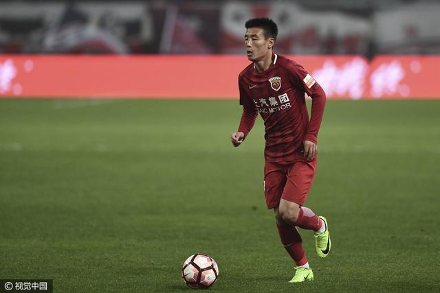 上港2-0延边夺双线5连胜 吕文君破门武磊建功