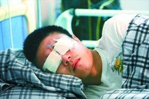 成都副总赴医院看望冯绍顺 道歉并愿承担费用