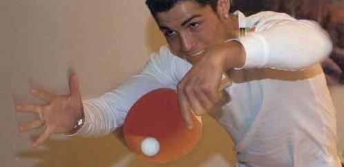 C罗微博称大爱乒乓球 球风似陈玘水平近专业