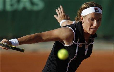 09冠军库兹娃逆转汉娃进八强 巴托丽收退赛礼