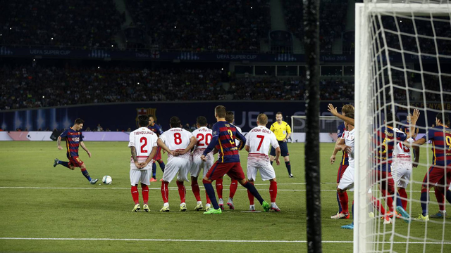 任意球_重温2015-16赛季梅西经典任意球