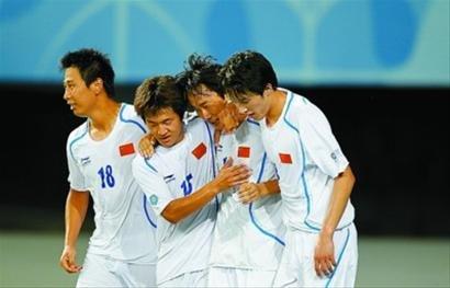 金志扬:足球回归校园才有希望 博士生都踢球