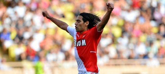 法尔考梅开二度 助摩纳哥5-2狂胜托特纳姆