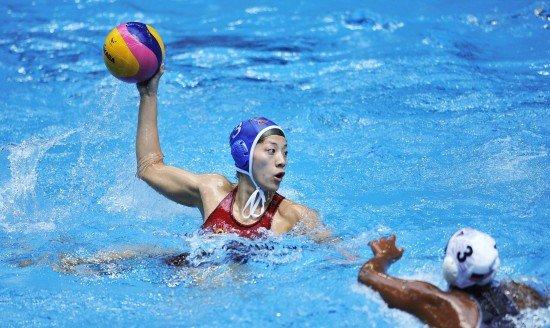 中国女水14-4狂胜美国夺冠 马欢欢独中四球