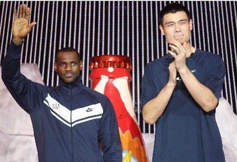 皇帝:我不愿看到姚明退役 他是篮球世界功臣