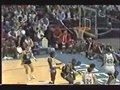 视频:乔丹NCAA最高39分 空中拉杆躲3人封盖
