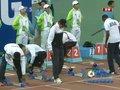 视频:男子110米栏预赛 刘翔换上战靴热身